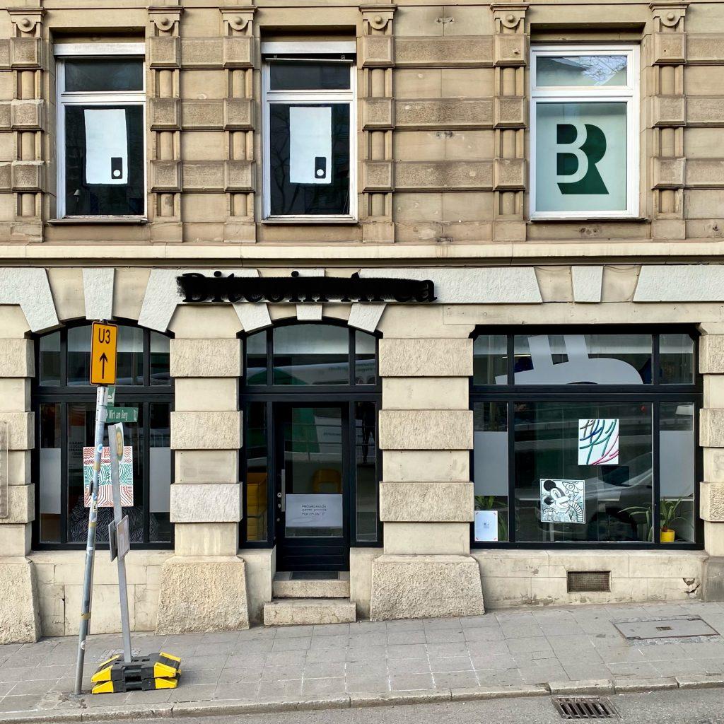 Kunst-Schau-Fenster Stuttgart Olgaeck